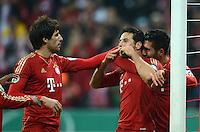 FUSSBALL  DFB POKAL       SAISON 2012/2013 FC Bayern Muenchen - 1 FC Kaiserslautern  31.10.2012 Jubel nach dem TOR zum 3:0  Javi , Javier Martinez,  Claudio Pizarro und Emre Can (v. li., FC Bayern Muenchen)