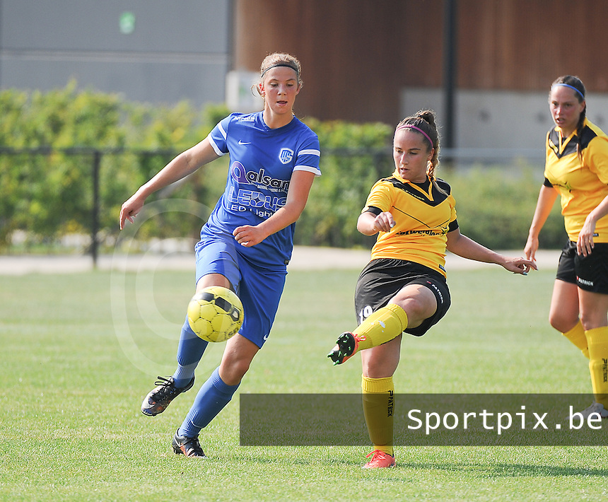 20160827 - ZWEVEZELE , BELGIUM : Genk's Hanne Merkelbach (L)   and Zwevezele's Silke Willem (R) pictured during the soccer match  in the 2nd round of the  Belgian cup 2017 , a soccer women game between SK Voorwaarts Zwevezele and RC Genk Ladies  , in Zwevezele , saturday 27 th August 2016 . PHOTO SPORTPIX.BE / DIRK VUYLSTEKE