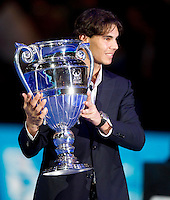 Rafael Nadal is presented with the Number 1 in the world trophy ..International Tennis - Barclays ATP World Tour Finals - O2 Arena - London - Day 3 - Tue 23 Nov 2010..© Frey - AMN Images, Level 1, Barry House, 20-22 Worple Road, London, SW19 4DH.Tel - +44 208 947 0100.Email - Mfrey@advantagemedianet.com.Web - www.amnimages.photshelter.com