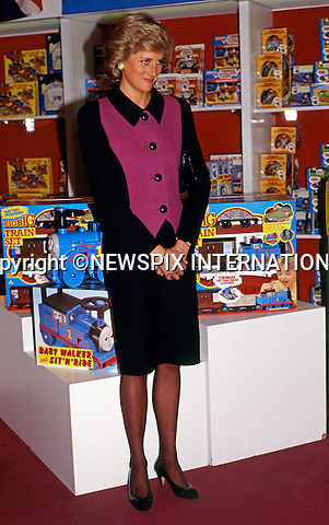 02.02.1989; New York, USA: PRINCESS DIANA<br /> visits FAO Schwarz flagship store on New York 5th Avenue for a charity event.<br /> Diana's whirlwind visit to New York lasted 43 hours.<br /> Mandatory Photo Credit: &copy;Francis Dias/NEWSPIX INTERNATIONAL<br /> <br /> **ALL FEES PAYABLE TO: &quot;NEWSPIX INTERNATIONAL&quot;**<br /> <br /> PHOTO CREDIT MANDATORY!!: NEWSPIX INTERNATIONAL(Failure to credit will incur a surcharge of 100% of reproduction fees)<br /> <br /> IMMEDIATE CONFIRMATION OF USAGE REQUIRED:<br /> Newspix International, 31 Chinnery Hill, Bishop's Stortford, ENGLAND CM23 3PS<br /> Tel:+441279 324672  ; Fax: +441279656877<br /> Mobile:  0777568 1153<br /> e-mail: info@newspixinternational.co.uk