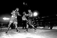 Roma  14 luglio 2006.Stadio della Pallacorda.Titolo italiano pesi welter. Giammario Grassellini  vs  Daniele Petrucci.