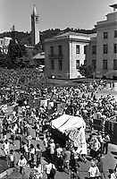 Anti-Apartheid protest in Sproul Plaza at University of California Berkeley. April 29,1986 (photo by Ron Riesterer)