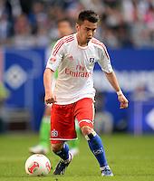 FUSSBALL   1. BUNDESLIGA   SAISON 2012/2013    32. SPIELTAG Hamburger SV - VfL Wolfsburg          05.05.2013 Zhi-Gin Lam (Hamburger SV)  am Ball