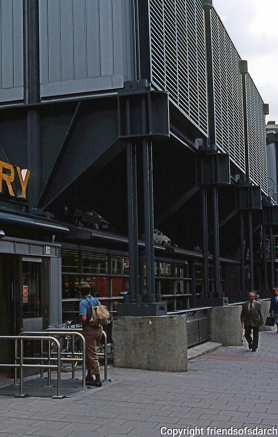 Nicholas Grimshaw: Sainsbury's, Camden Town. Entrance.  Photo '90.