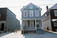 1986 March ..Redevelopment.Huntersville 1&2 (R-70)..725 A AVENUE...NEG#.NRHA#..