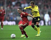 FUSSBALL   1. BUNDESLIGA  SAISON 2011/2012   13. Spieltag FC Bayern Muenchen - Borussia Dortmund        19.11.2011 Franck Ribery (li, FC Bayern Muenchen) gegen Mario Goetze (Borussia Dortmund)