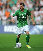 FUSSBALL   1. BUNDESLIGA   SAISON 2011/2012   TESTSPIEL SV Werder Bremen - FC Everton                 02.08.2011 Lukas SCHMITZ (SV Werder Bremen) Einzelaktion am Ball