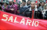 Roma Maggio 2004.Manifestazione degli operai della Fiat di Melfi..Demonstration of workers at Fiat Melfi .The banners:  Salary