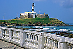 Praia e Farol da Barra em Salvador. 2001. Foto de Juca Martins.