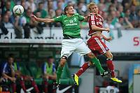 FUSSBALL   1. BUNDESLIGA   SAISON 2011/2012    5. SPIELTAG SV Werder Bremen - Hamburger SV                         10.09.2011 Aleksandar IGNJOVSKI (li, Bremen) gegen Per SKJELBRED (re, Hamburg)