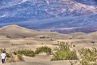 Death Valley; Sand Dunes, Stovepipe Wells, DVNP; Death Valley Natonal Park, arid, mountain range, United States, USA