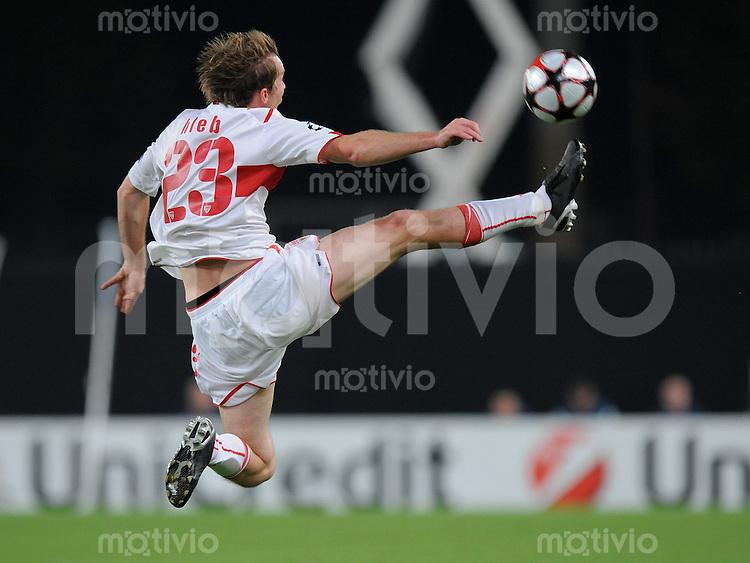 FUSSBALL  International  Champions League  SAISON 2009/2010   16.09.2009 VfB Stuttgart - Glasgow Rangers Alexander Hleb (VfB) am Ball