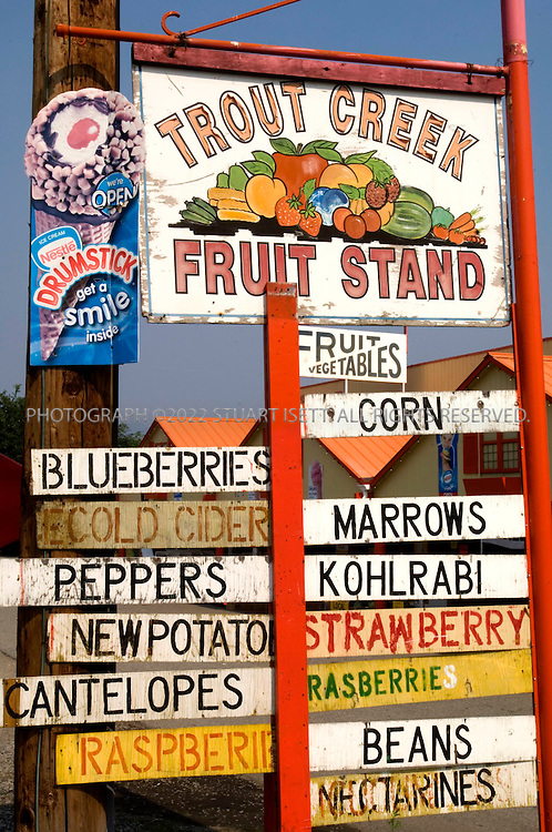 9/5/2006--Summerland, British Columbia, Canada..The Trout Creek fruit stand, on the road side next to Lake Okanagan in Summerland...Photograph By Stuart Isett.All photographs ©2006 Stuart Isett.All rights reserved.