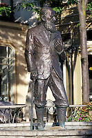 Statue of George Bernard Shaw in Niagara-On-The-Lake
