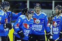 IJSHOCKEY: HEERENVEEN; 20-12-2014, IJsstadion Thialf, UNIS Flyers - Eindhoven Kemphanen 201214, uitslag 7-0, Joey Oosterveld (#3) krijgt de felicitaties, ©foto Martin de Jong