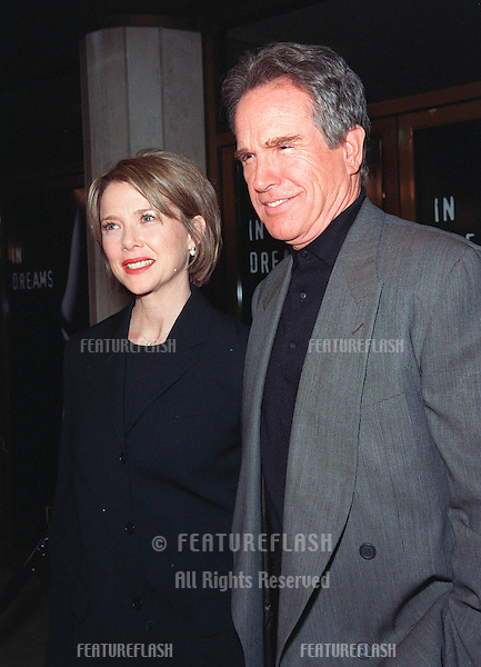 "11JAN99:  Actress ANNETTE BENING & actor husband WARREN BEATTY at the premiere of her new movie ""In Dreams"" in Los Angeles..© Paul Smith / Featureflash"
