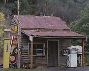 Woods Point, Old Servo