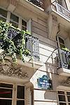 Apartment buildings on Rue Saint-Louis en L'ile, Ile Saint-Louis, Paris, France