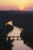 Europe/France/Aquitaine/24/Dordogne/Vallée de la Dordogne/Périgord/Périgord noir/Env de Domme: La vallée de la Dordogne
