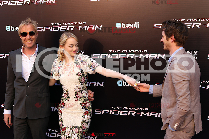 Rhys Ifans, Emma Stone, Andrew Garfield - The Amazing Spider-Man - photocall in Madrid NORTEPHOTO.COM<br /> **SOLO*VENTA*EN*MEXICO**<br /> **CREDITO*OBLIGATORIO** <br /> *No*Venta*A*Terceros*<br /> *No*Sale*So*third*