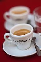 Europe/France/Provence-Alpes-Côte d'Azur/13/Bouches-du-Rhône/Marseille: A la terrasse des Café Debout 46, rue Francis Davso