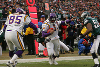16 Jan 2005:Daunte Culpepper of the Minnesota Vikings running in for a touchtown during the Philadelphia Eagles 27-14 victory over the Minnesota Vikings at Lincoln Financial Field in Philadelphia, PA. <br /> <br /> Mandatory Credit:Todd Bauders/ContrastPhotography.com