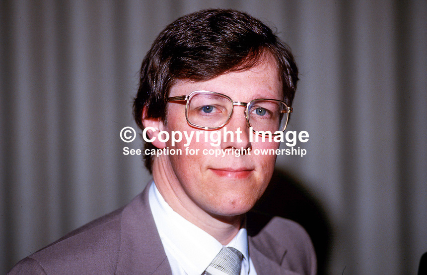 Peter Robinson, MP, Democratic Unionist Party, UK Parliament, Westminster, deputy leader, 19870712PR..Copyright Image from Victor Patterson, 54 Dorchester Park, Belfast, UK, BT9 6RJ..Tel: +44 28 9066 1296.Mob: +44 7802 353836.Voicemail +44 20 8816 7153.Skype: victorpattersonbelfast.Email: victorpatterson@me.com.Email: victorpatterson@ireland.com (back-up)..IMPORTANT: If you wish to use this image or any other of my images please go to www.victorpatterson.com and click on the Terms & Conditions. Then contact me by email or phone with the reference number(s) of the image(s) concerned.