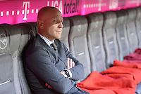 FUSSBALL   1. BUNDESLIGA  SAISON 2012/2013   13. Spieltag FC Bayern Muenchen - Hannover 96     24.11.2012 Sportvorstand Matthias Sammer (FC Bayern Muenchen) sitzt auf der Bank