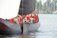 ZEILEN: SNEEK: Snitser Mar, 01-08-2014, SKS skûtsjesilen, finalewedstrijd, skûtsje van Earnewâld, ©foto Martin de Jong