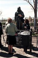 San Giovanni Rotondo.La Statua di Padre Pio consumata da le carezze dei fedeli .San Giovanni Rotondo.The Statue of Padre Pio consumed by the caresses of the faithful..