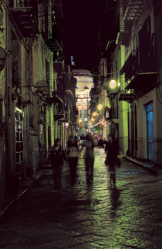 Alley in the historic city center in Palermo.<br /> Vicoli del centro storico di Palermo