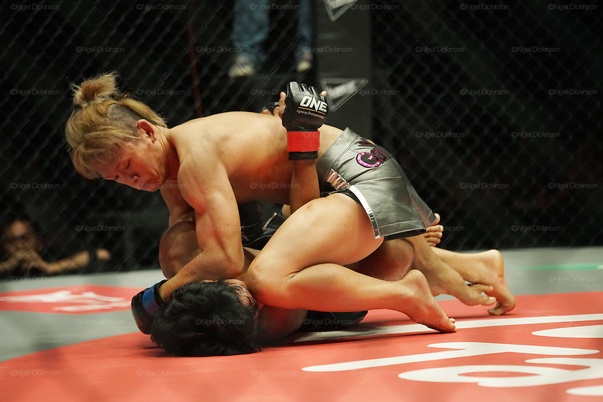 Riku Sibuya, Top Japanese Flyweight contender, beats up Eugene Toquero, Top Filipino flyweight<br />