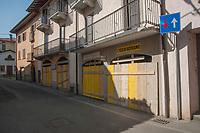 Pontida (Bergamo), 22 apr 2017, Festival antirazzista, migrante e terrone. Citt&agrave; chiusa per ordinanza del sindaco.<br /> Pontida (Bergamo), 22 Apr 2017, Anti-racist, migrant and Southern Italian festival.Streets and shops closed following the order of the mayor in the city.