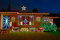 WA07266-00...WASHINGTON - House decorated for Christmas in Edmonds.