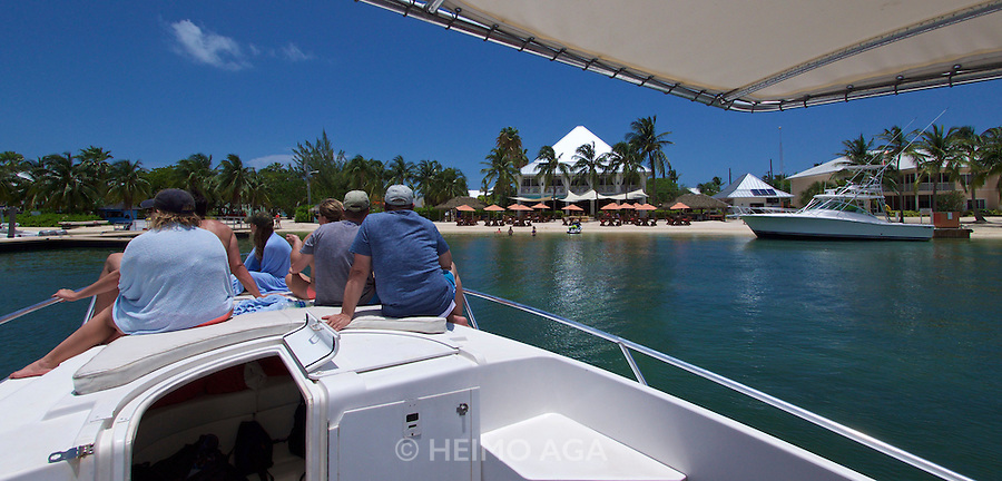 Grand Cayman. Boat excursion. Kaibo Beach.