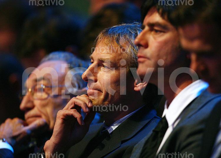 Fussball International WM Auslosung DFB Bundestrainer Juergen Klinsmann, nachdenklich