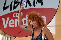 Roma 1 Ottobre 2011.Ora tocca a noi.Manifestazione nazionale di Sinistra, Ecologia, Libertà, a Piazza Navona.L'intervento della cantante Fiorella Mannoia
