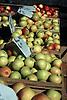 fresh apples displayed at the farmer's market<br /> <br /> manzanas frescas en el mercado<br /> <br /> frische &Auml;pfel auf dem Wochenmarkt<br /> <br /> Original: 35 mm slide transparency