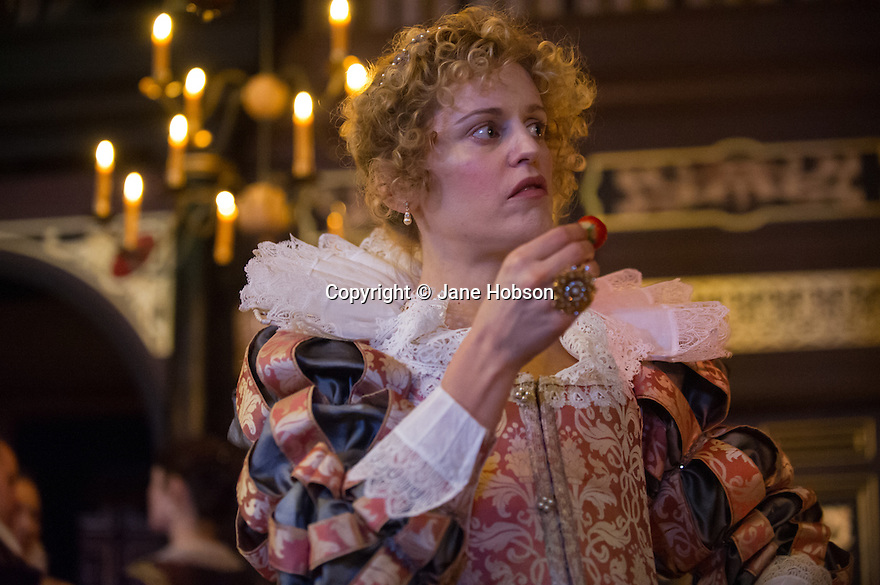 the duchess of malfi essay Elizabeth oakes' article concerns itself with the reply to the popular inquiry of unfavorable judgment confronting the duchess of malfi this inquiry is whether or non to judge harshly the widow duchess' behaviour.