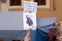 Roma 19 Maggio 2015<br /> Manifestazione dei lavoratori della scuola davanti a Montecitorio indetto da tutti i sindacati contro la riforma della scuola del governo Renzi soprannominata 'La Buona Scuola&quot;, gli insegnanti accusano il governo di agevolare la privatizzazione dell'istruzione.<br /> Rome May 19, 2015<br /> Demonstration of school workers  in front of Deputies organized by all trade unions  against Renzi's school reform dubbed 'The Good School', teachers accuse of facilitating the privatisation of education.