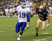 September 06, 2008:  Buffalo running back James Starks (#19)..The Pitt Panthers defeated the Buffalo Bulls 27-16 on September 06, 2008 at Heinz Field, Pittsburgh, Pennsylvania.