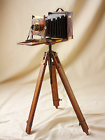 Bilclife Half Plate wooden View Camera on a wooden tripod