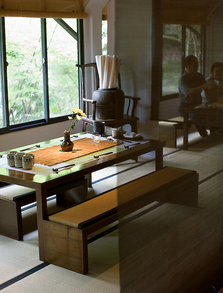 A table setting at Shiyang Shanfang restaurant, Yangmingshan National Park. Taiwan. Asia..