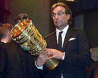 FUSSBALL      DFB POKAL FINALE       SAISON 2011/2012 Borussia Dortmund - FC Bayern Muenchen   12.05.2012 DFB Pokal Finale -Party von Borussia Dortmund im Ewerk Trainer Juergen Klopp (Borussia Dortmund) mit Pokal