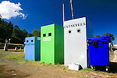 Poubelles de tri séléctif des déchets ménagers au Mont-Dore, Nouvelle-Calédonie