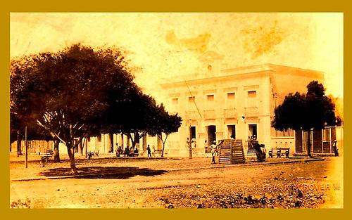 Vista de Baní, ciudad donde desarrolló su vida intelectual Sil Adrover. Parque Marcos A. Cabral, 1884. © Frank Adrover.