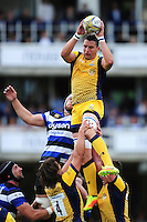Phil Dowson of Worcester Warriors wins the ball at a lineout. Aviva Premiership match, between Bath Rugby and Worcester Warriors on September 17, 2016 at the Recreation Ground in Bath, England. Photo by: Patrick Khachfe / Onside Images