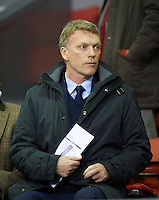 LIVERPOOL, ENGLAND - Thursday, October 4, 2012: Everton manager David Moyes watches Liverpool take on Udinese Calcio during the UEFA Europa League Group A match at Anfield. (Pic by David Rawcliffe/Propaganda)