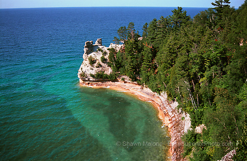 photos, pictures, images of pictured rocks national lakeshore