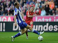 Fussball Bundesliga Saison 2011/2012 9. Spieltag FC Bayern Muenchen - Hertha BSC Berlin V.l.: Roman HUBNIK (Hertha BSC), Franck RIBERY (FCB).